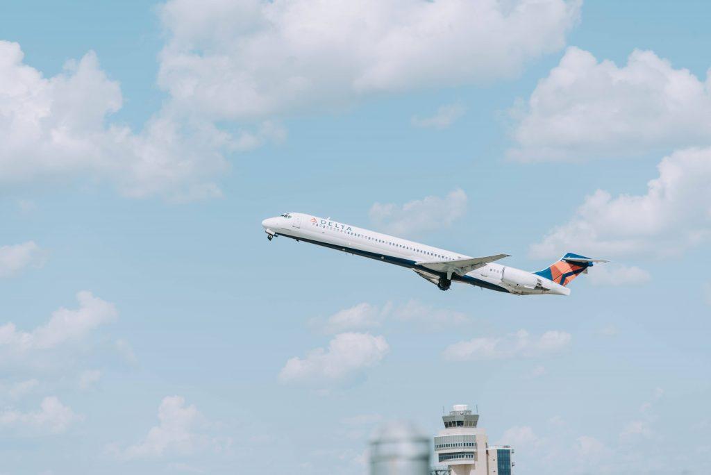 Delta, Airplane