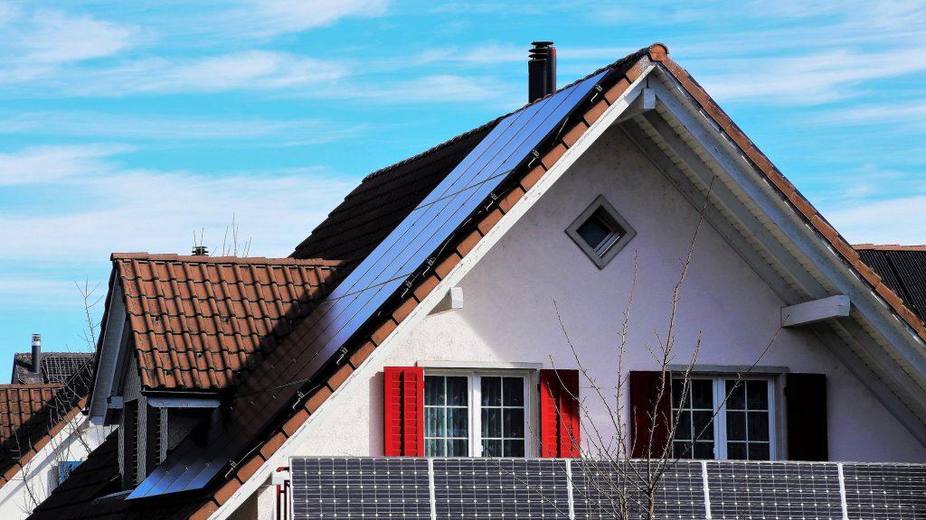 Tesla's new solar roofing